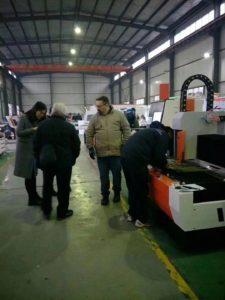 Fiber laser metal cutter for agents