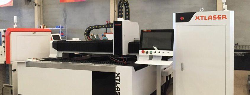 1000w cnc laser cutting machine in the metal sheet cutting